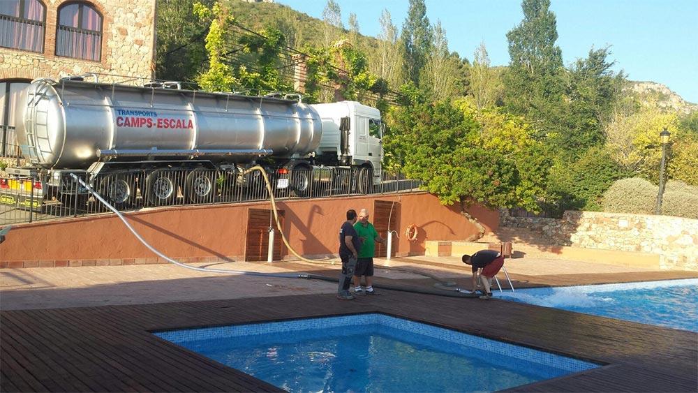 Aigua per a piscines, regs i jardins